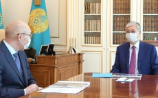 Kassym-Jomart Tokayev receives Governor of the Astana International Financial Centre Kairat Kelimbetov