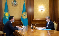 The President receives Akim of Karaganda Region Zhenis Kasymbek